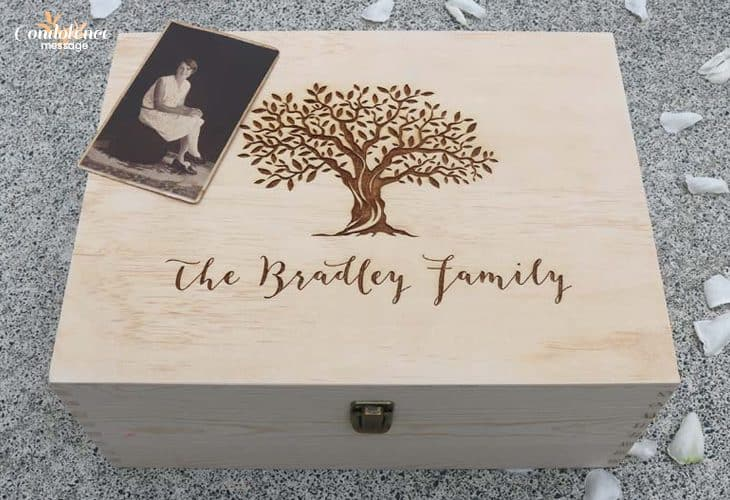 Present a Keepsake Box by Sending Tribute to Someone Who Dies