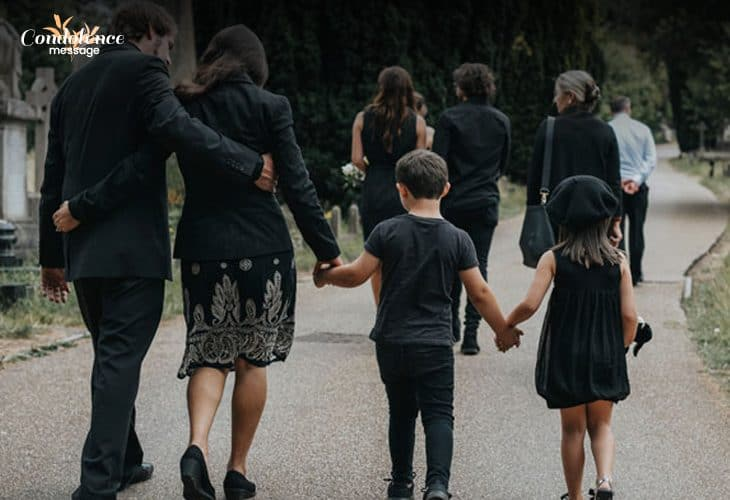 What people should wear at a funeral during summer season